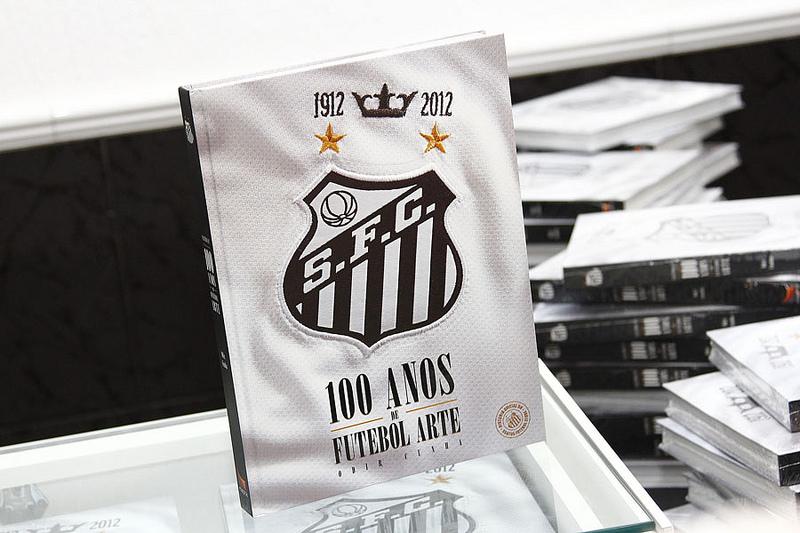 LANÇAMENTO DO LIVRO    SANTOS FC 100 ANOS DE FUTEBOL ARTE     95f9634aa1fd8