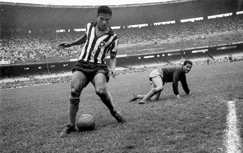 Garrincha, o Anjo das Pernas Tortas.