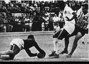 Pelé de Goleiro contra o Grêmio