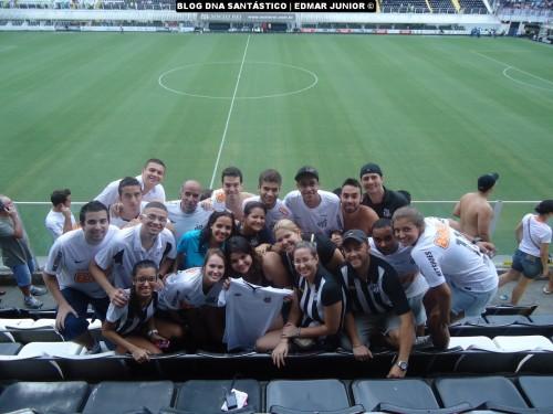 Edmar Junior e amigos (as). O que o Santos une, nada pode separar!  #SóAlegria