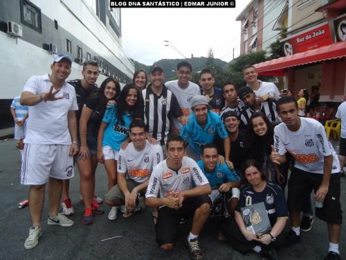 Edmar Junior e amigos (as). O que o Santos une, nada pode separar!  #CelebrandoMaisUmaVitória