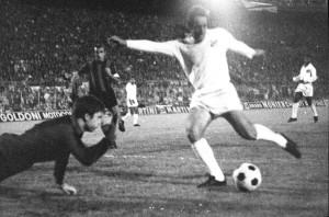 Toninho marcando o gol do título da Recopa