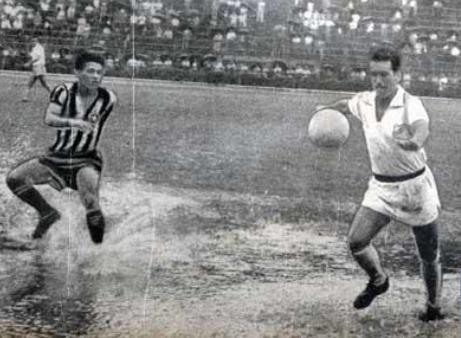 Dalmo x Garrincha no Pacaembu