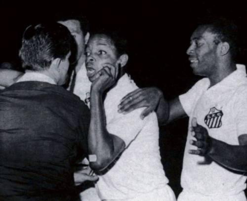 O dia em que Pelé expulsou o juiz - Blog DNA Santástico